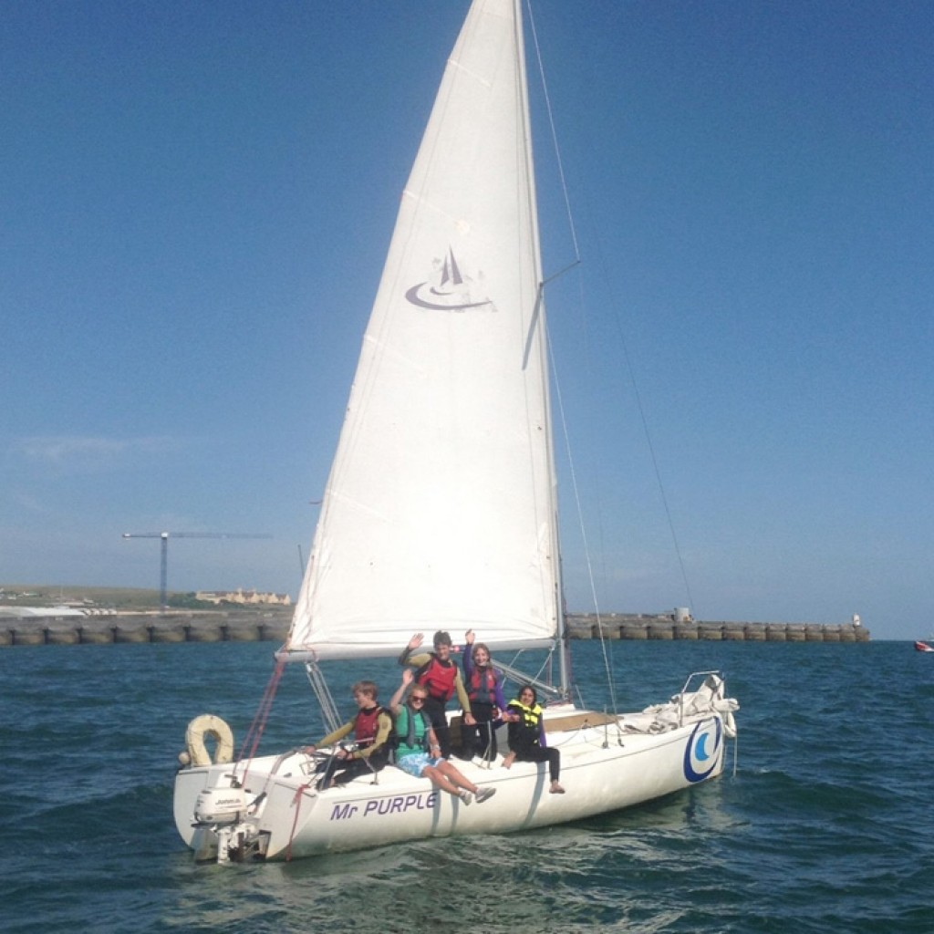 kids sailing brighton teen activity week