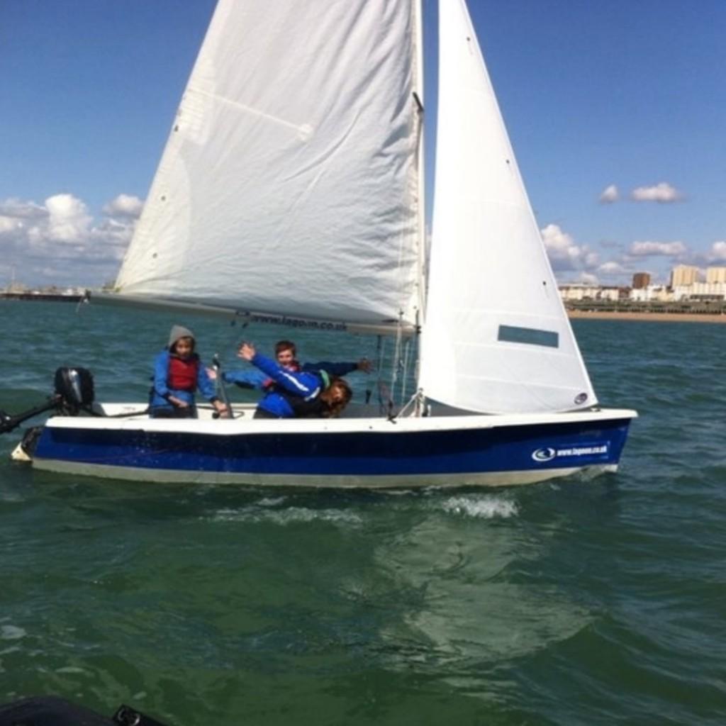 kids sailing brighton stage 4